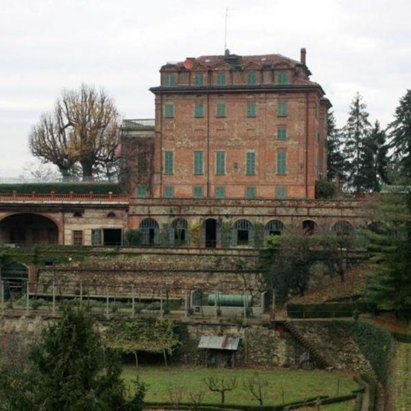 Castagneto Po_Villa Ceriana_689x474